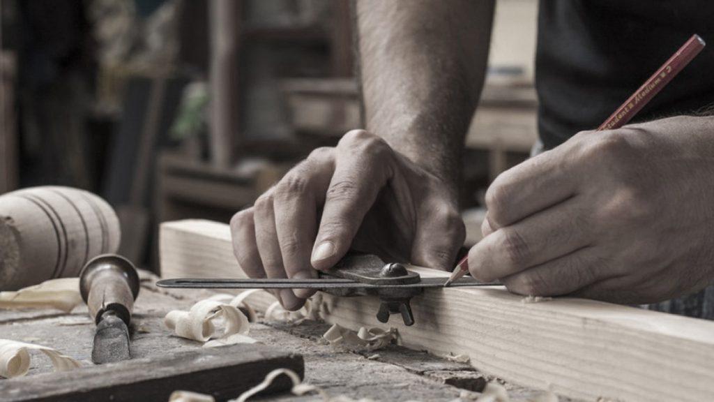 Sattelkammerfertigung mit traditioneller Handwerkskunst