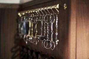 Sattelkammer Detailfoto des Bithalters